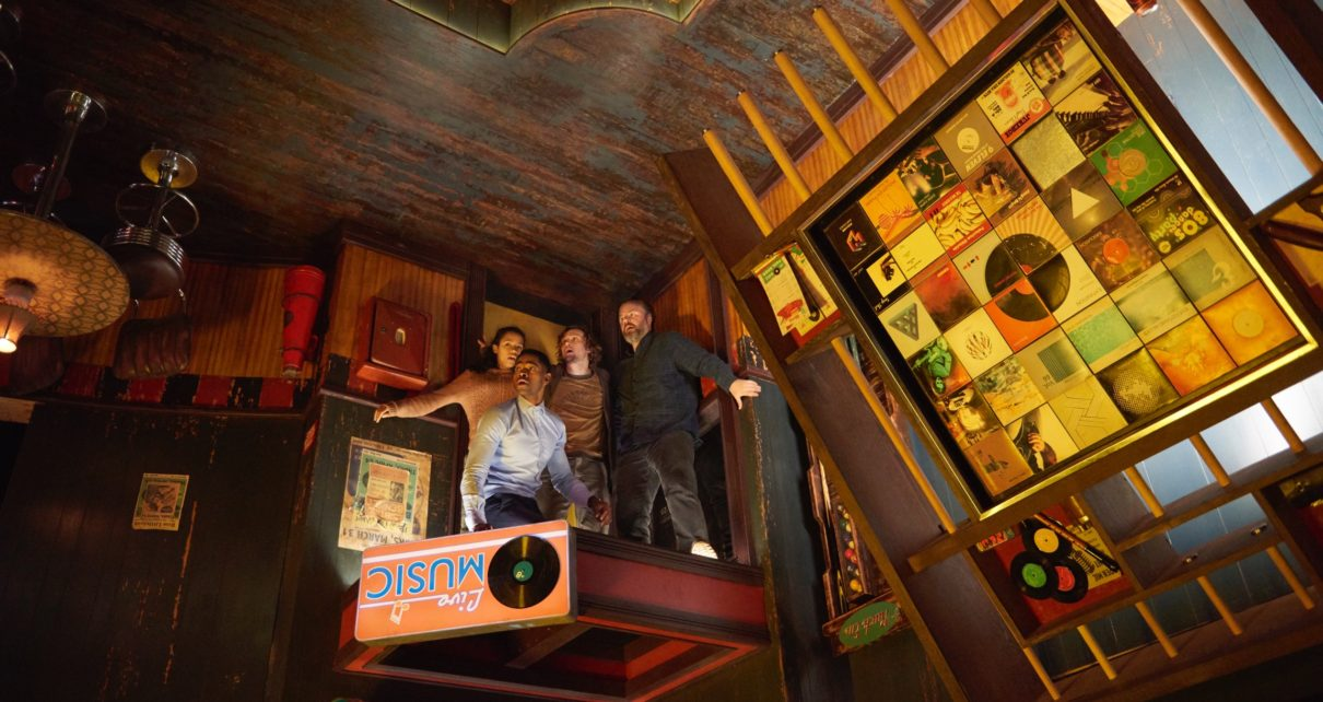 Jay Ellis, Taylor Russell, Logan Miller and Tyler Labine star in ESCAPE ROOM.